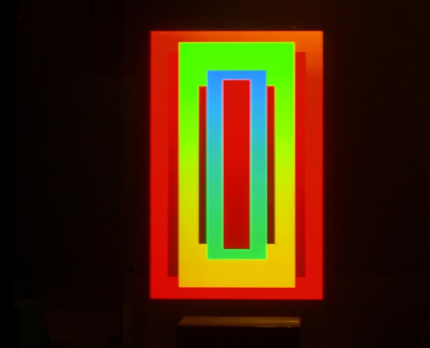 REDinGREENinBLUE-2011,_Hologramm_Glas,101x60cm-3[1]